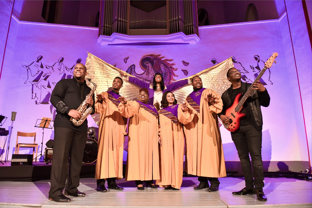 BGA16_BlackGospelAngels_09_ensemble